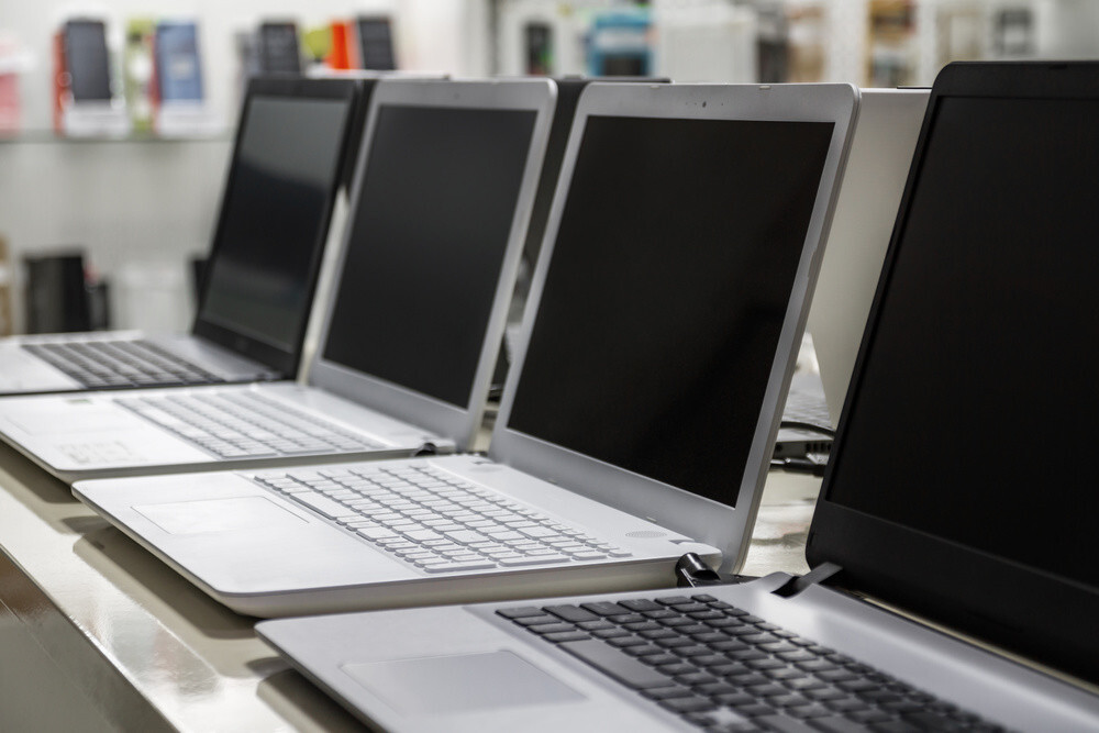 rent a laptop in Dubai