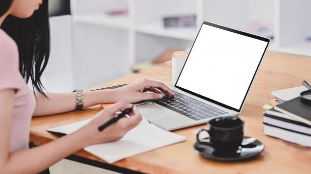 Renting a laptop in Dubai